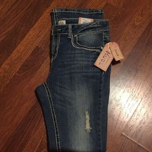 Bnwt mudd Jeans size 11.